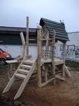 Jedes Kletterhaus für Kinder von Holzkunst nach Wunsch ist Sicher und einzigartig.