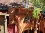 So ein Kinderbaumhaus ist günstiger wie man glaubt. www.holzkunst-ruegen.de